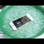 Dropping an iPhone SE in Boiling Hot Water!