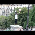 Freestyle Football Tricks on the Streets of Paris!