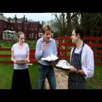 Ramsay Feeds Hungry Golfers – Gordon Ramsay