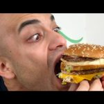 تحدي اكل بيج ماك عملاقة بلقمة واحدة من ماكدونالدز BIG MAC |التحدي الأكبر|