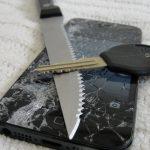 iPhone 5 Knife Screen Scratch Drop Test -Bonus Episode-